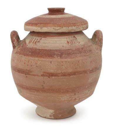 A Messapian pottery lidded stamnos