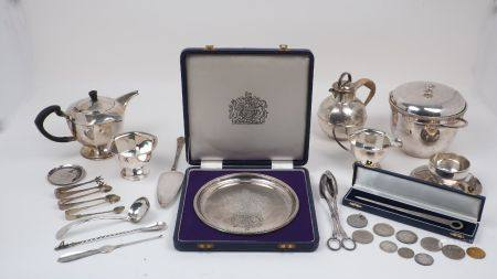 A silver commemorative plate, London c.1972, Historical Heirlooms Ltd., celebrating the silver