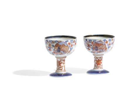 TWO IMARI PORCELAIN STEM CUPS, CHINA, 18TH CENTURY (2)