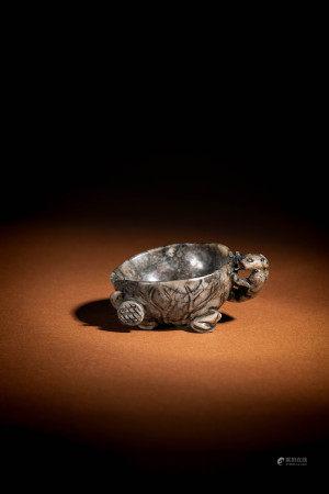 明 青玉水銀沁螭龍荷葉杯