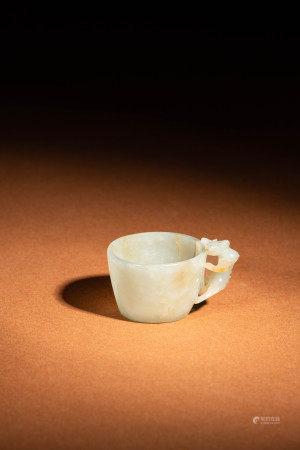明 青白玉雕龍杯
