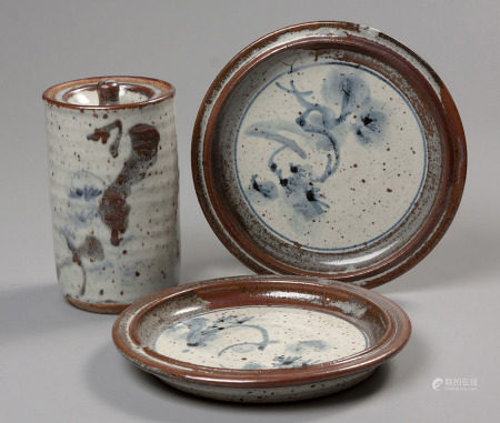 ANDREW WALFORD (1942 - ): A STONEWARE CANNISTER AND COVER