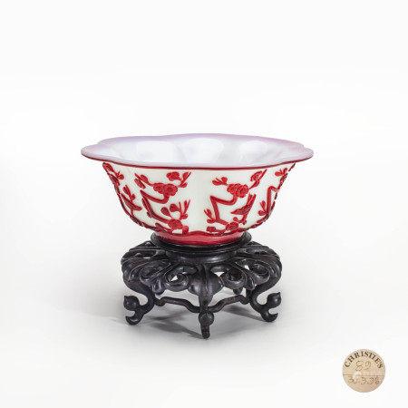 清宫廷十八世纪白地套红料花鸟纹碗 A Chinese Imperial Carved Red Overlay and White Glass Bowl 18 Century