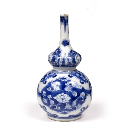 Small blue and white double gourd bottle vase Chinese, Kangxi (1662-1722) with panels of lotus and