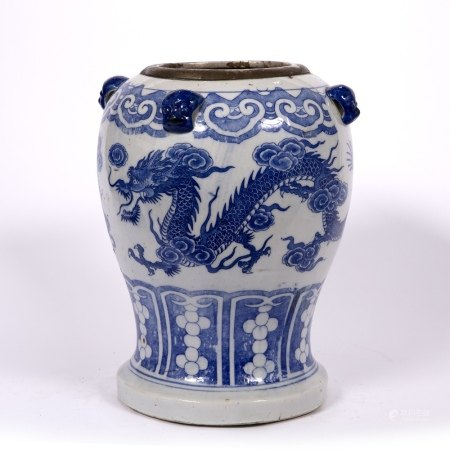 Blue and white vase Chinese, 19th Century the decoration to the body depicting two dragons chasing a