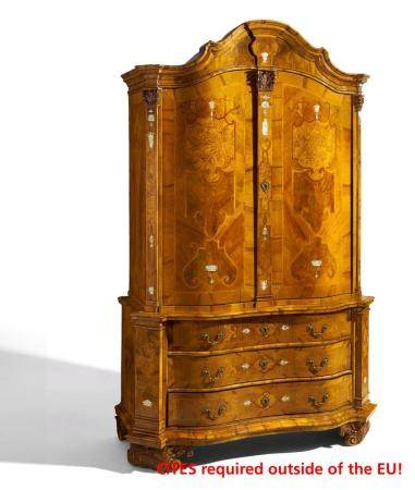 Important rococo cabinet made of nutwood, rootwood a.o. and engraved ivory inlays