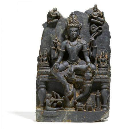 Very rare black schist figure of Avalokiteshvara