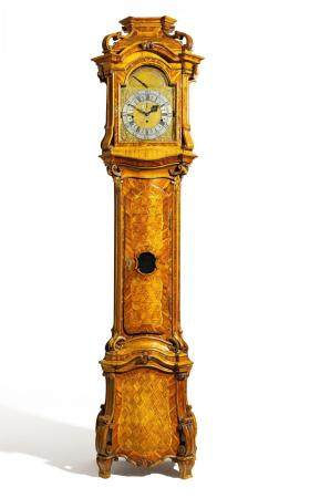 Highly important courtly longcase clock made of nutwood and cedarwood