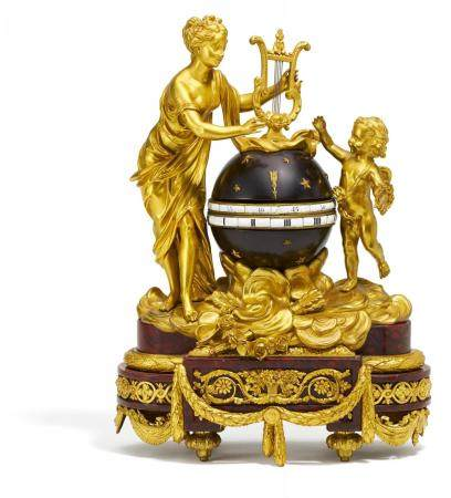 Circle tournant with Venus und Cupid Style Louis XVI made of red marble and gilt bronze