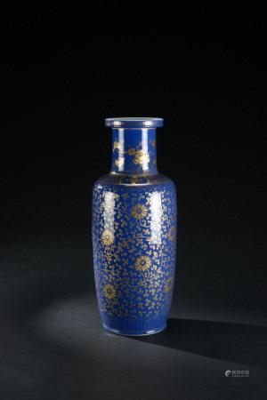 清代 藍釉描金纏枝花卉紋棒槌瓶