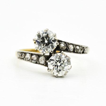 A Ladies 14KG Diamond Ring