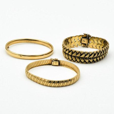 A Lot of 3 14KG Bracelets