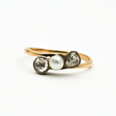 A Ladies Pearl and Diamond Ring