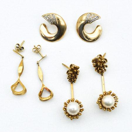 A Lot of 3 Pair of Earrings