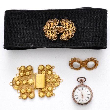 A Lot of Dutch Antique Jewelry