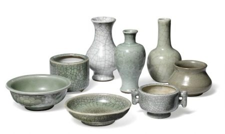 A collection of small Chinese bowls and vases, some of Ge-style ware, others decorated in celadon, two with mould-made foliage decoration. Qing, 1644–1912. H. 3,5–14 cm. (8)        Provenance: Danish private collection based on two generations' stay in China 1885–1945.