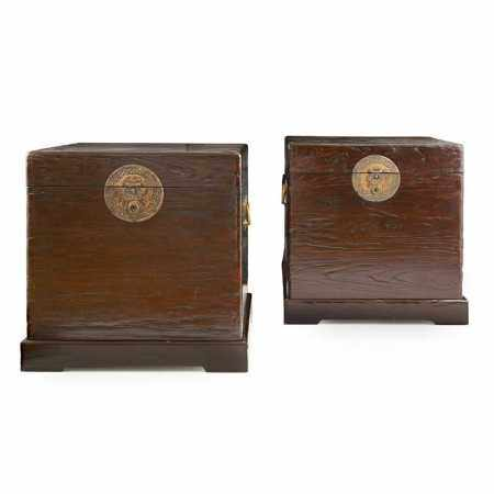 PAIR OF LARGE ELM WOOD BOXES WITH STANDS QING DYNASTY, 19TH CENTURY