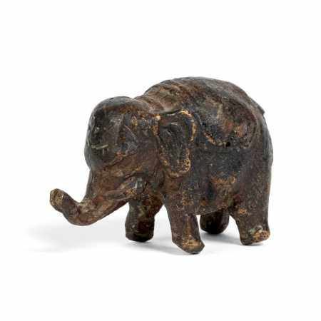 BRONZE 'ELEPHANT' PAPERWEIGHT QING DYNASTY, 18TH-19TH CENTURY