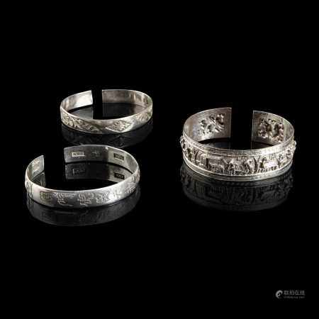 GROUP OF THREE SILVER BANGLES QING DYNASTY
