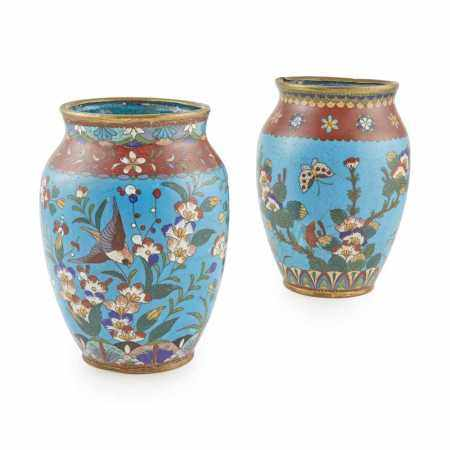 PAIR OF CLOISONNÉ ENAMEL VASES LATE QING DYNASTY-REPUBLIC PERIOD, 19TH-20TH CENTURY