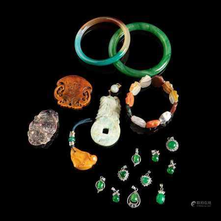 COLLECTION OF JEWELLERY ACCESSORY