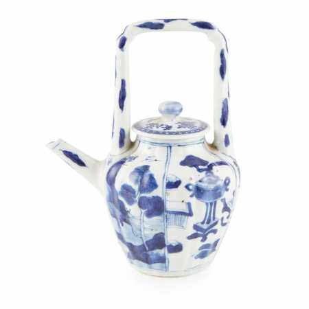 BLUE AND WHITE LOBED TEAPOT QING DYNASTY, 18TH-19TH CENTURY