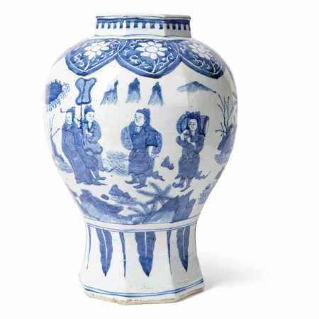 BLUE AND WHITE VASE QING DYNASTY, 18TH CENTURY