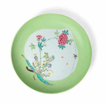 FAMILLE ROSE 'BUTTERFLY AND PEONY' PLATE QING DYNASTY, 18TH-19TH CENTURY