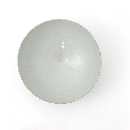 明初 白磁浮雕 雲鶴紋 碗