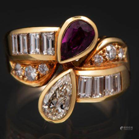 Bague Toi et Moi montée sur or jaune 18 Kt avec diamants taille brillant, taille poire et taill