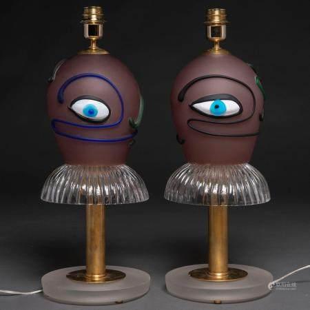 Paire de lampes de table en verre de Murano en forme de ballerine. h. 1970-8059 x 21,5 cms.Base