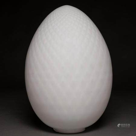 Lampe de table en forme d'œuf en verre de Murano. Travail italien, années 80.65 x 38 cms.Il a u
