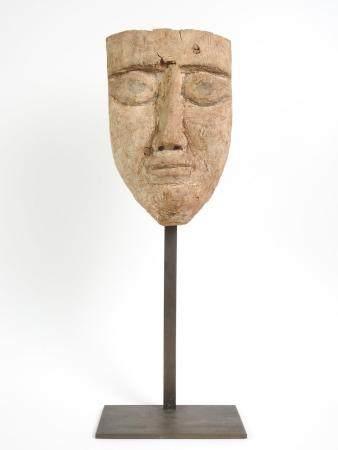 Masque en bois sculpté.Polychromie disparue.Basse Epoque.665-332 av J.C.H :22cm.