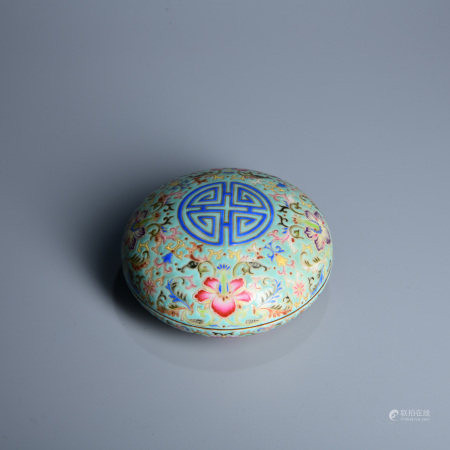 TURQUOISE GROUND FAMILLE ROSE SHOU BOX & COVER, QIANLONG MARK