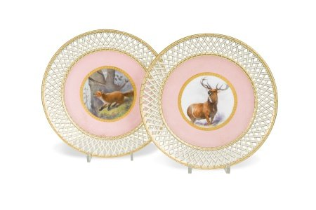 A pair of Minton cabinet plates,