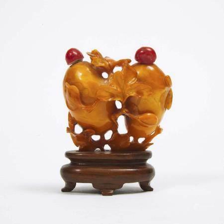 A Rare Carved Amber 'Double-Melon' Snuff Bottle, 19th/20th Century, 十九/二十世纪 琥珀巧雕双瓜纹鼻烟壶, height 2.7 i