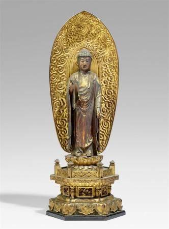 Figure d'Amida Nyorai en bois laqué et doré. 18ème/19ème siècle  Debout sur une double fl de