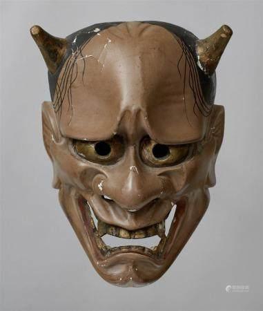 Un bois peint sans masque de type Hannya. 18./19. Jh.  Le démon féminin aux cornes courtes, aux