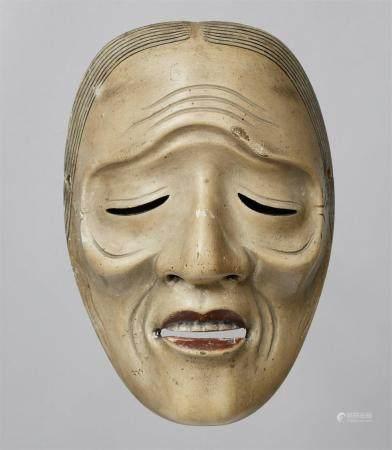 Un bois peint sans masque de type Uba. Période Edo  Masque d'une femme ancienne aux yeux étroit