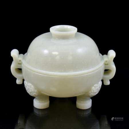 Qing Dynasty JADE LIDDED TRIPOD ROUND CENSER