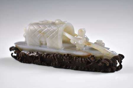 Ming Dynasty CARVED CHINESE JADE MODEL OF FIGURES ON BOAT