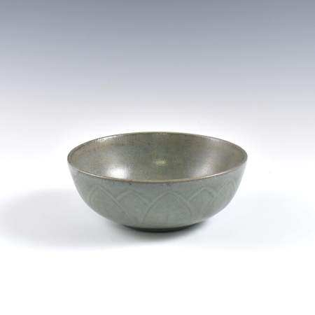 Song Dynasty A FINE CHINESE GUAN WARE BOWL