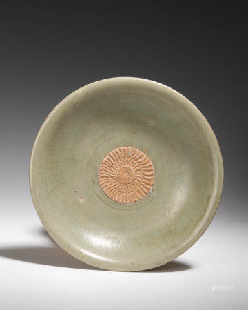 宋代 龍泉青釉貼花盤