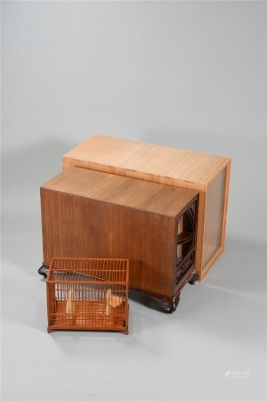 竹鳥籠 木刻蝠紋長方屜箱 二件