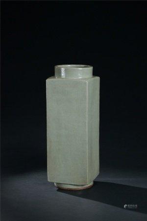 清代 青瓷四方瓶
