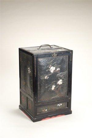 黑漆嵌百寶花卉紋茶櫃