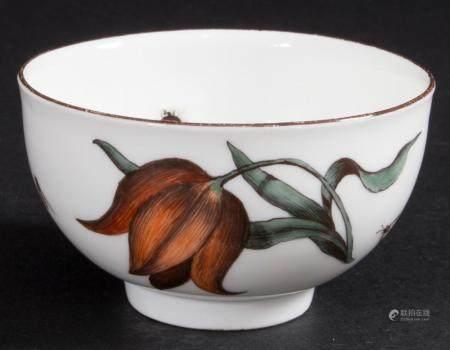Koppchen mit Holzschnittblumen und Insekten / A cup with woodcut flowers and insects, Meissen, um 1740