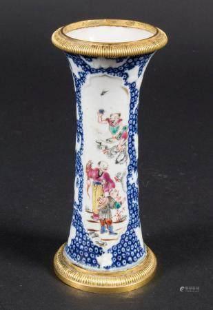 Ziervase / A decorative porcelain vase, China, Qing Dynastie (1644-1911), 18. Jh.