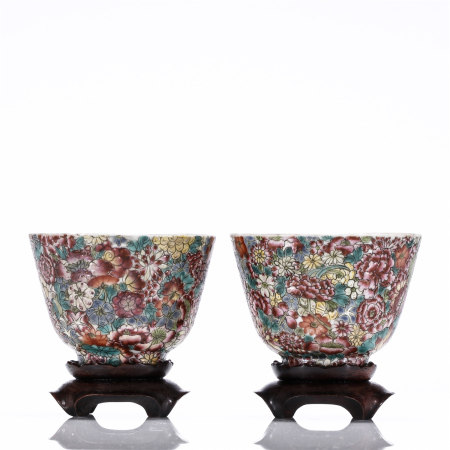 A pair of famille rose flower porcelain cups