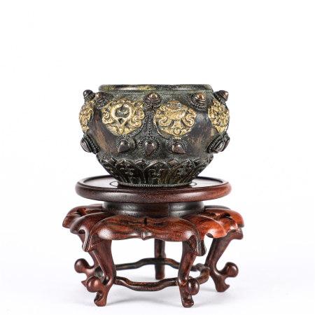 A gilding copper water pot